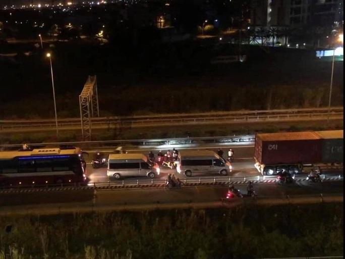 CSGT nói gì về clip hàng trăm quái xế chặn cao tốc TP HCM – Long Thành – Dầu Giây để đua xe? - Ảnh 1.
