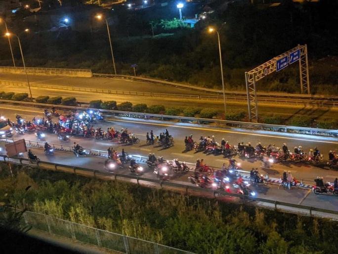 CSGT nói gì về clip hàng trăm quái xế chặn cao tốc TP HCM – Long Thành – Dầu Giây để đua xe? - Ảnh 2.