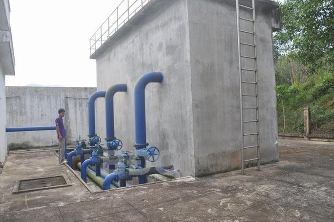 Bình Định: Hơn 300 học sinh, người dân bị ngộ độc nghi do nguồn nước - Ảnh 1.