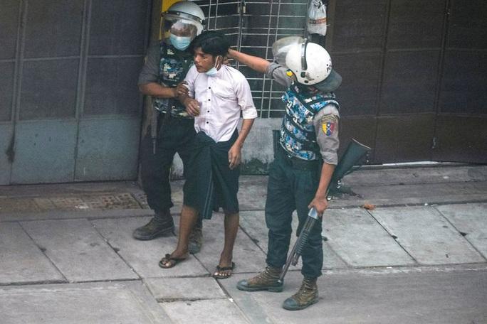 Cộng đồng quốc tế gia tăng áp lực lên Myanmar - Ảnh 1.
