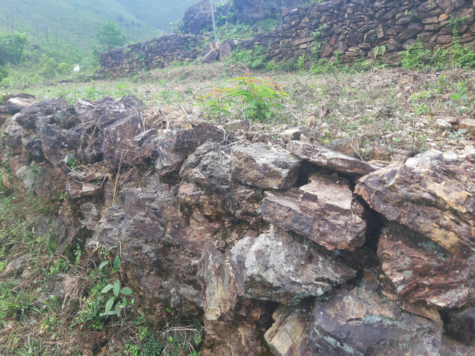 Xót xa thành cổ ở Nghệ An - Ảnh 1.