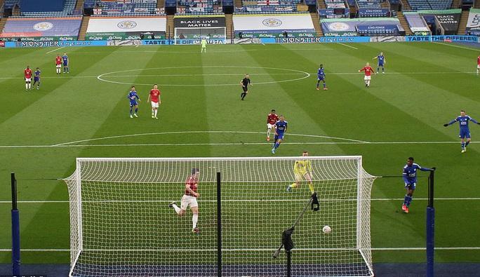 Tứ kết FA Cup: Công cùn thủ kém, Man United thua tan tác Leicester  - Ảnh 4.