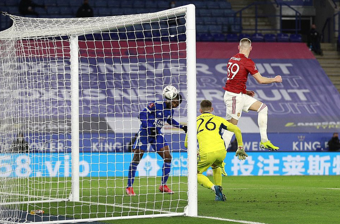 Tứ kết FA Cup: Công cùn thủ kém, Man United thua tan tác Leicester  - Ảnh 7.