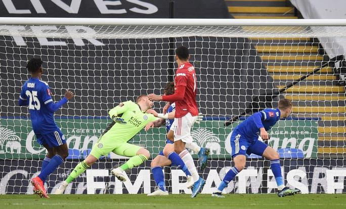 Tứ kết FA Cup: Công cùn thủ kém, Man United thua tan tác Leicester  - Ảnh 5.