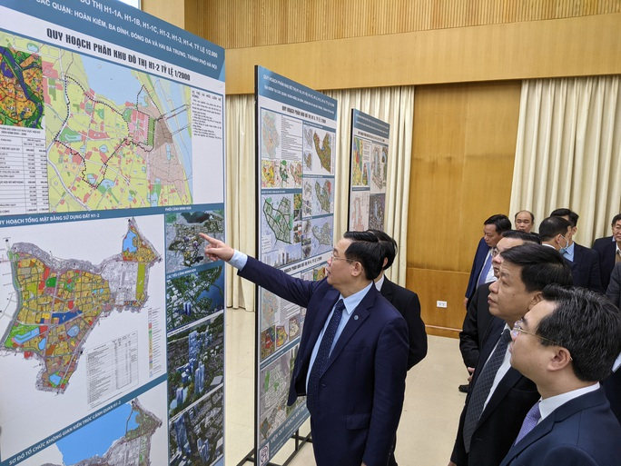 CLIP: Hà Nội công bố quy hoạch 4 quận nội đô lịch sử, 215.000 người cùng hàng chục cơ quan sẽ được di dời - Ảnh 2.