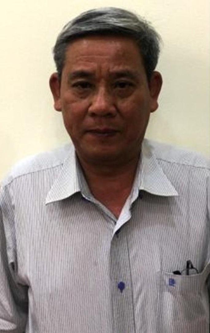 Khởi tố nguyên phó chánh Văn phòng UBND TP HCM - Ảnh 1.