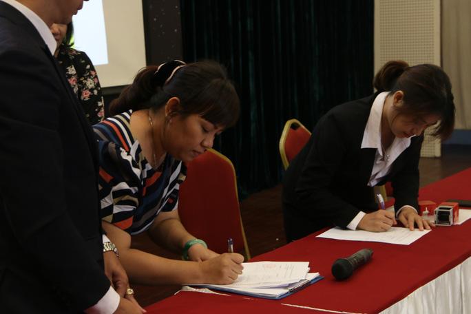 Diễn biến mới nhất vụ phụ huynh kiện Trường Quốc tế Việt Úc về học phí - Ảnh 2.