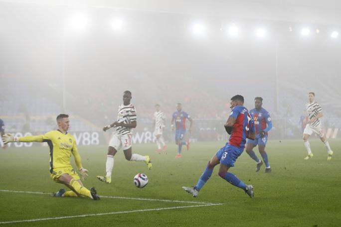Chia điểm Crystal Palace, Man United hết cửa đua vô địch Ngoại hạng Anh - Ảnh 4.