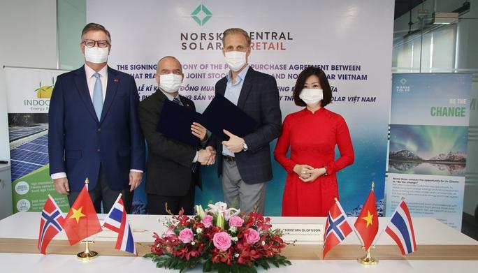 Ông chủ Thái lắp điện mặt trời trên 60.000 m2 mái đại siêu thị GO! - Ảnh 1.