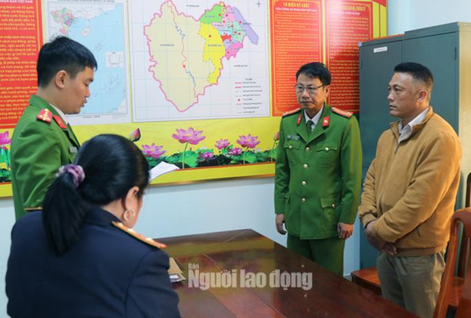 Trạm trưởng Trạm quản lý bảo vệ rừng ở Quảng Bình bị khởi tố - Ảnh 1.