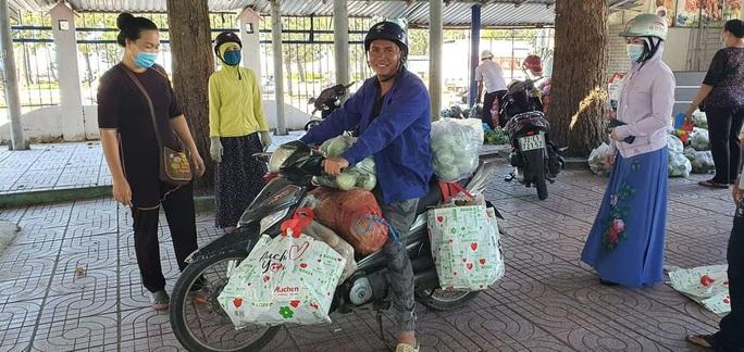 Trong 24 giờ, người dân Bà Rịa - Vũng Tàu giải cứu gần 60 tấn nông sản Hải Dương - Ảnh 3.