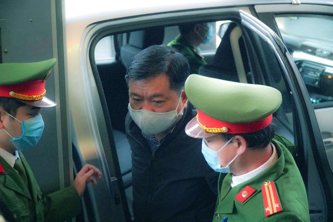 Xét xử ông Đinh La Thăng và Trịnh Xuân Thanh - Ảnh 1.
