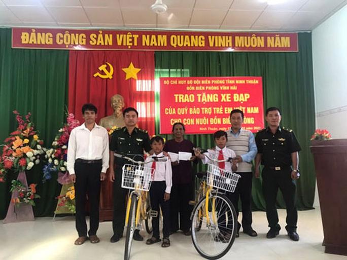 Lực lượng biên phòng Ninh Thuận chắp cánh ước mơ từ biên giới biển - Ảnh 1.
