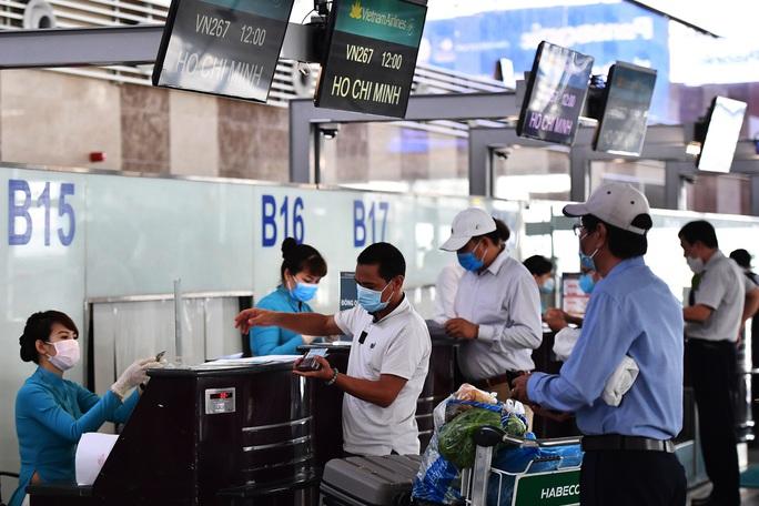 Tìm người liên quan ca bệnh Covid-19 trên chuyến bay TP HCM - Hải Phòng - Ảnh 1.