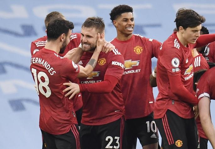 Man United bùng nổ trận derby, thắng sốc chủ nhà Man City - Ảnh 6.