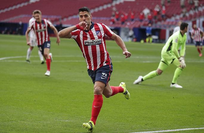 Benzema cứu Real Madrid, Atletico nợ chồng chất trận derby thủ đô - Ảnh 2.
