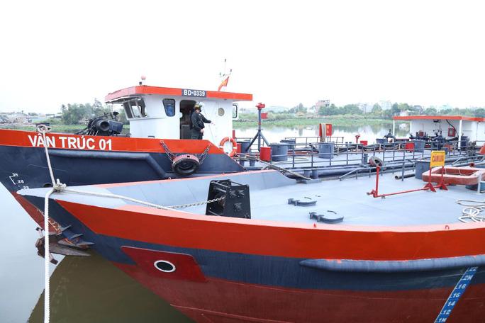 Bắt khẩn cấp vợ chồng công ty xăng dầu Vân Trúc liên quan vụ xăng giả khủng - Ảnh 8.