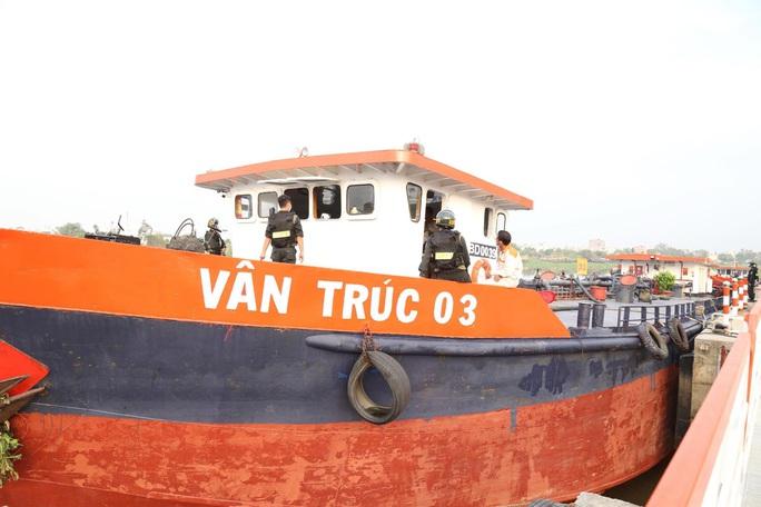 Bắt khẩn cấp vợ chồng công ty xăng dầu Vân Trúc liên quan vụ xăng giả khủng - Ảnh 7.