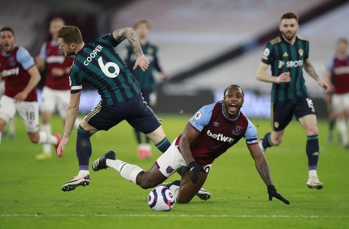 Cựu sao Man United tỏa sáng, West Ham cảnh báo tham vọng Chelsea - Ảnh 1.