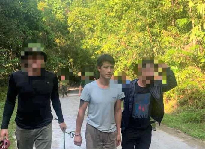 Bắt nghi phạm chém người rồi lẫn trốn vào rừng VQG Phong Nha - Kẻ Bàng - Ảnh 1.