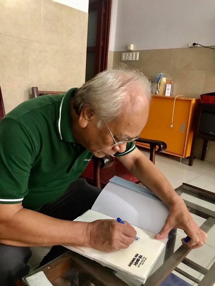 Nhạc sĩ Trần Xuân Tiến ra mắt tuyển tập Tổ quốc yêu thương - Ảnh 2.
