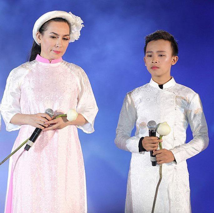 Trang Trần bị chỉ trích khi liên tục bàn chuyện Hồ Văn Cường - Ảnh 3.