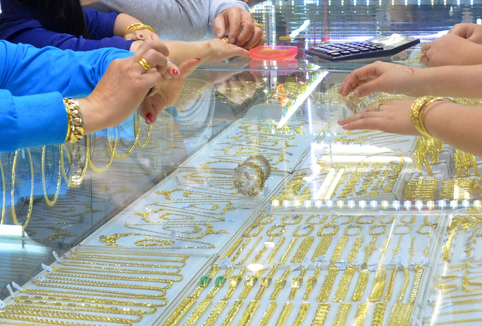 Giá vàng hôm nay 11-10: Vàng SJC, vàng trang sức đồng loạt tăng - Ảnh 1.