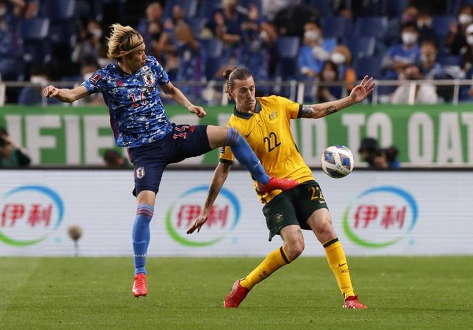 Đánh bại tuyển Úc, Nhật Bản lọt Top 3 bảng B - Ảnh 4.