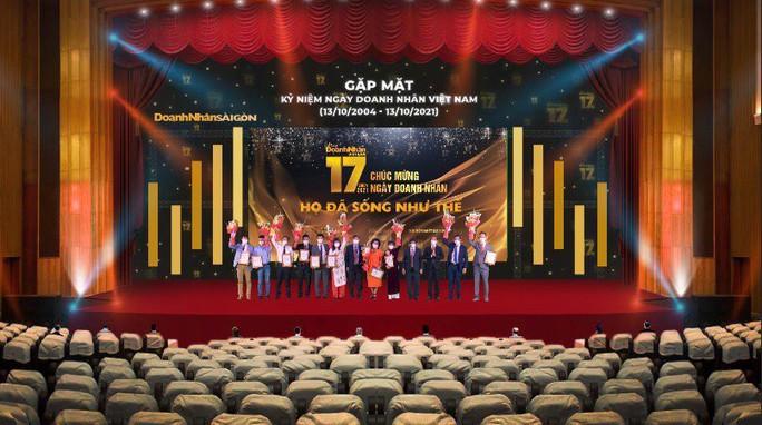 Tôn vinh 10 doanh nhân truyền cảm hứng năm 2021 - Ảnh 1.