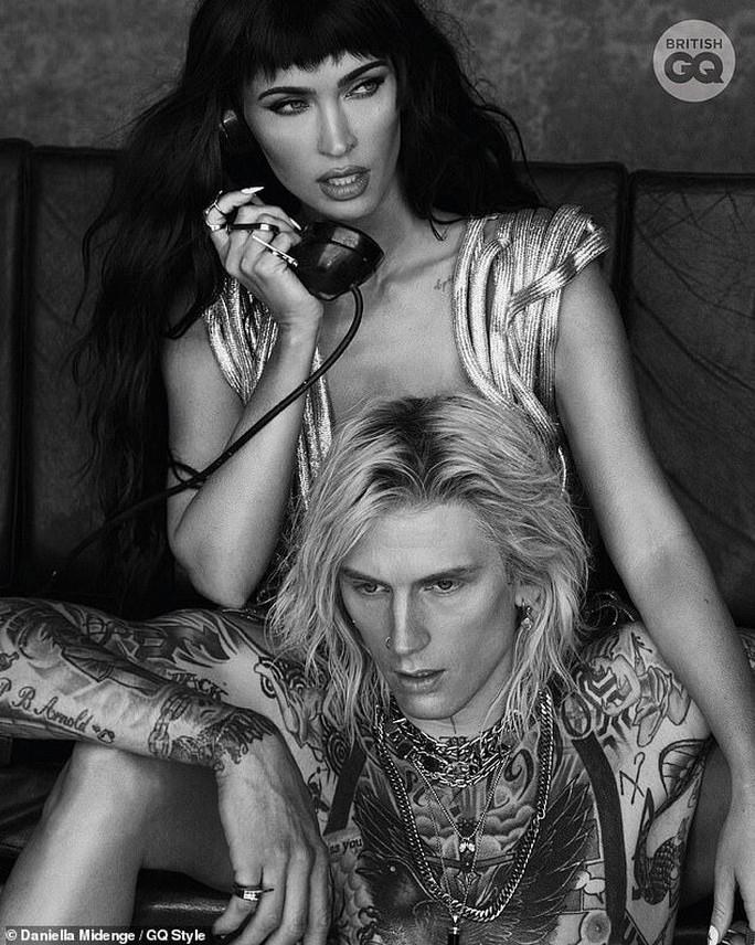 Minh tinh Megan Fox khỏa thân trên tạp chí - Ảnh 3.