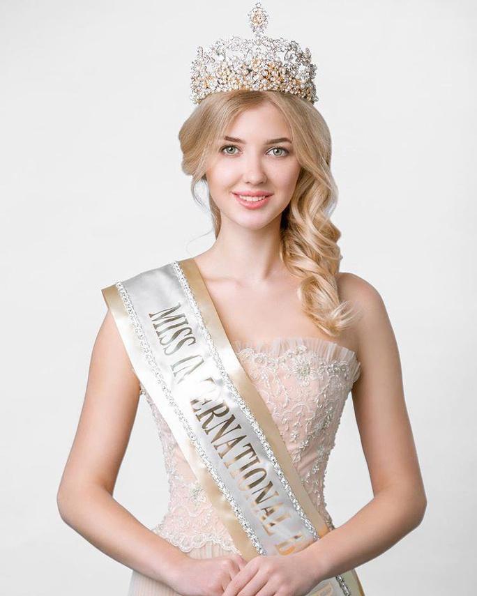 """Vẻ đẹp """"thiên thần"""" của tân Hoa hậu Trái đất Belarus - Ảnh 1."""