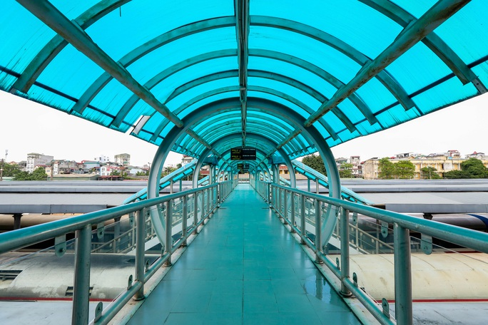 CLIP: Ngày đầu tiên mở bán vé tàu tuyến Bắc-Nam và Hà Nội-Hải Phòng - Ảnh 12.