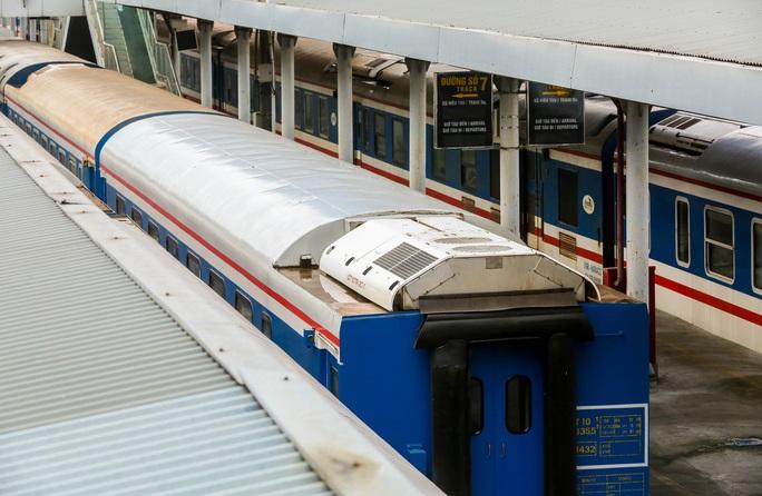 CLIP: Ngày đầu tiên mở bán vé tàu tuyến Bắc-Nam và Hà Nội-Hải Phòng - Ảnh 13.