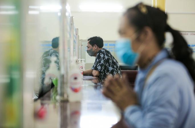 CLIP: Ngày đầu tiên mở bán vé tàu tuyến Bắc-Nam và Hà Nội-Hải Phòng - Ảnh 8.
