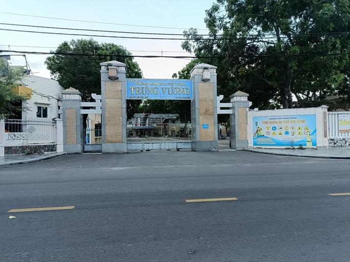 Bình Định: Ngày đầu đến trường, 46 học sinh phải đi cách ly tập trung vì tiếp xúc F0 - Ảnh 1.