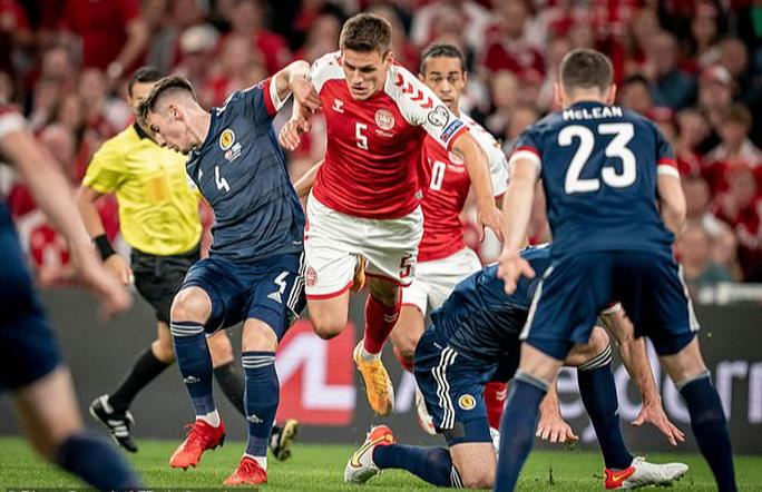 Toàn thắng vòng loại châu Âu, Đan Mạch đoạt vé sớm dự World Cup - Ảnh 3.