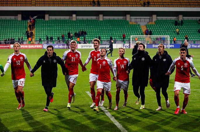 Toàn thắng vòng loại châu Âu, Đan Mạch đoạt vé sớm dự World Cup - Ảnh 8.