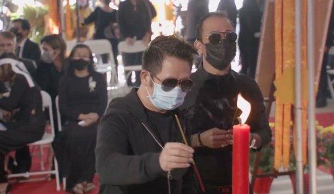 Nghệ sĩ cùng đông đảo khán giả dự tang lễ Phi Nhung - Ảnh 8.