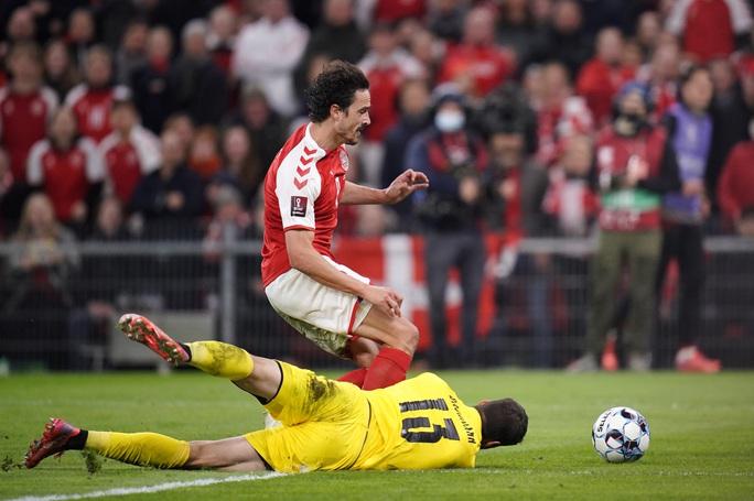 Toàn thắng vòng loại châu Âu, Đan Mạch đoạt vé sớm dự World Cup - Ảnh 2.