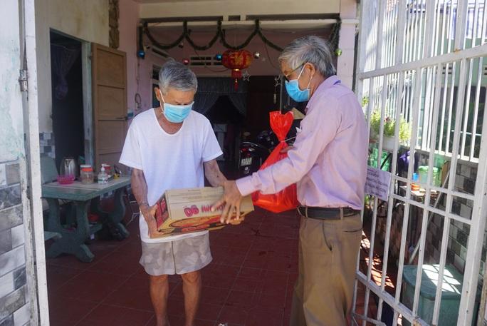 Đà Nẵng còn hơn 37.000 hộ chưa nhận được gói hỗ trợ  - Ảnh 1.