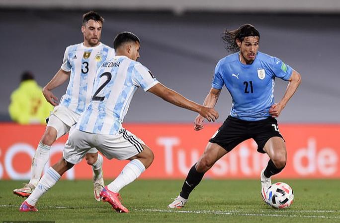 Lập cầu hàng không đưa cầu thủ Nam Mỹ về đá Ngoại hạng Anh - Ảnh 3.
