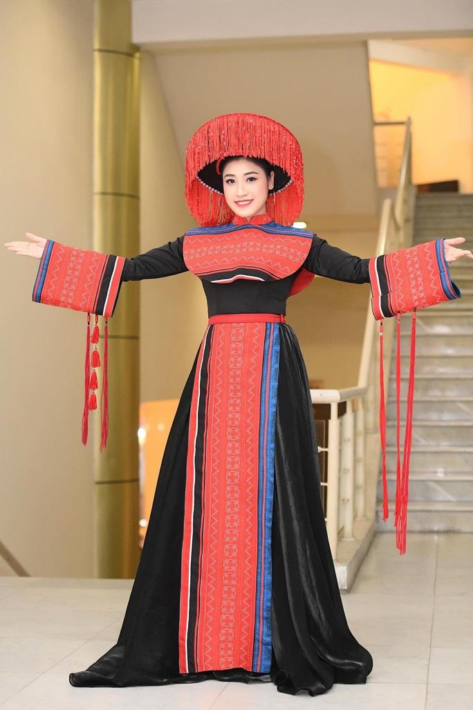Hoa hậu Khánh Ngân tiết lộ lý do vội vã lên Đắk Nông - Ảnh 9.