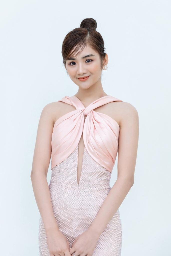 Hoa hậu Khánh Ngân tiết lộ lý do vội vã lên Đắk Nông - Ảnh 2.