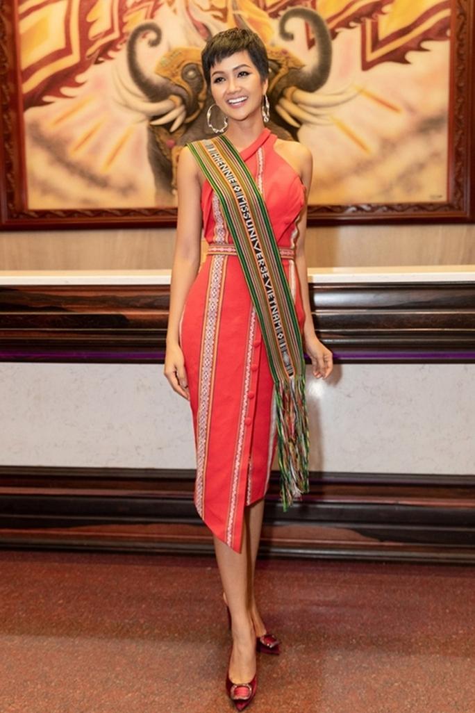 Hoa hậu Khánh Ngân tiết lộ lý do vội vã lên Đắk Nông - Ảnh 10.
