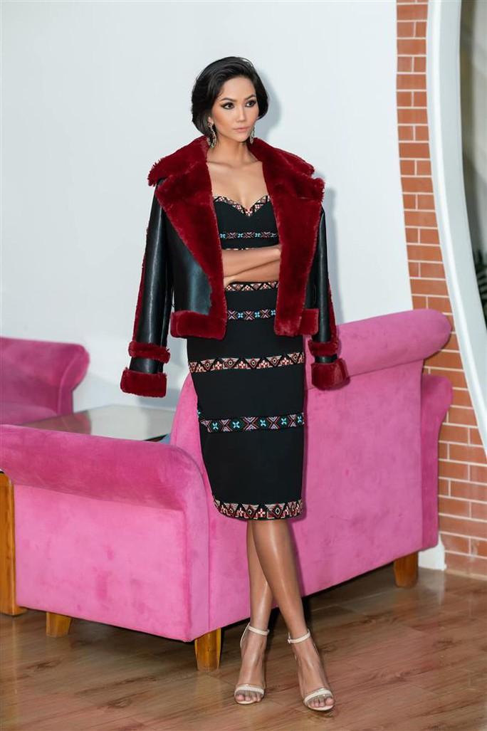 Hoa hậu Khánh Ngân tiết lộ lý do vội vã lên Đắk Nông - Ảnh 7.