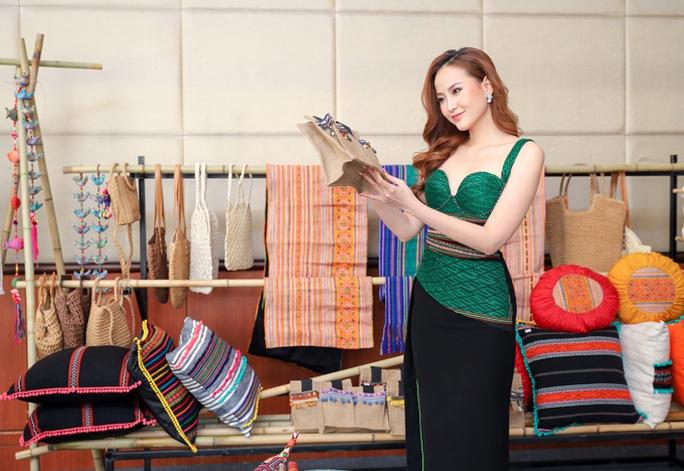 Hoa hậu Khánh Ngân tiết lộ lý do vội vã lên Đắk Nông - Ảnh 4.