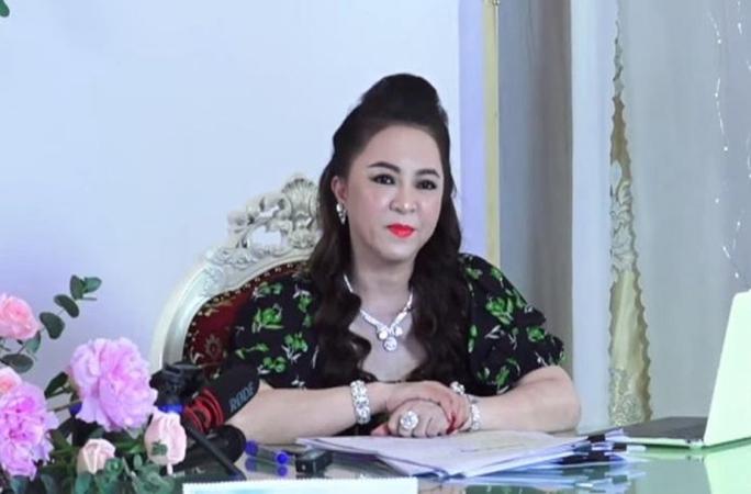 Rà soát tố cáo của bà Nguyễn Phương Hằng về việc ăn chặn tiền từ thiện - Ảnh 1.