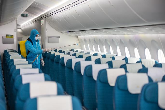 Hàng không tăng cường bảo dưỡng máy bay trước ngày nối lại bay nội địa - Ảnh 14.