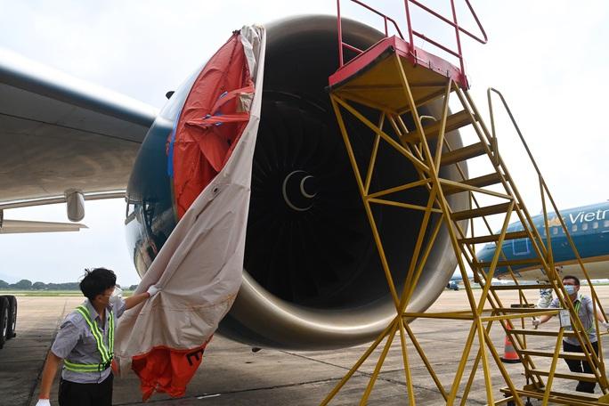 Hàng không tăng cường bảo dưỡng máy bay trước ngày nối lại bay nội địa - Ảnh 6.