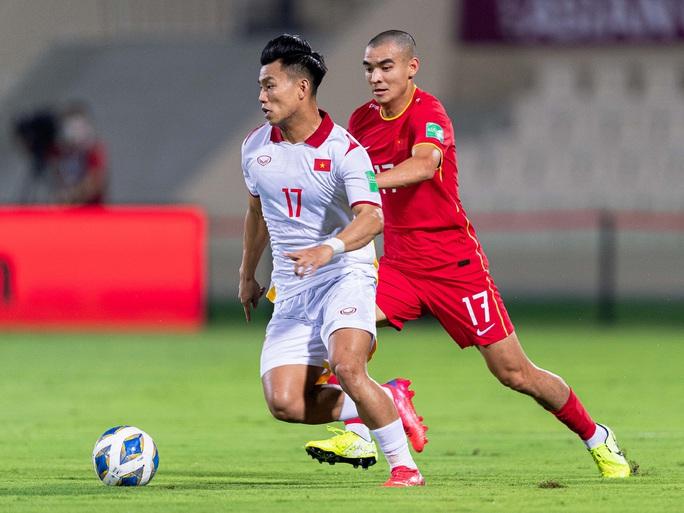 Tạo hai siêu phẩm vào lưới Trung Quốc nhưng tuyển Việt Nam vẫn trắng tay - Ảnh 3.